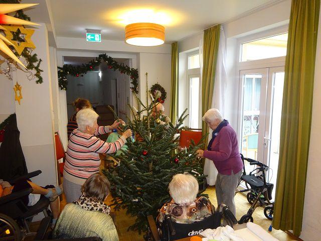 Weihnachtsvorbereitungen im Dezember