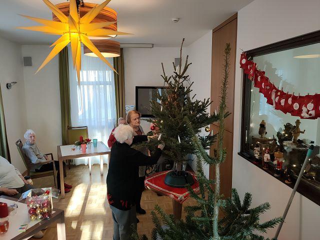 Weihnachtsbaum schmücken am 08.12.2020